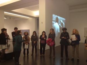 La Cloe parla d'alguns materials de l'art contemporani